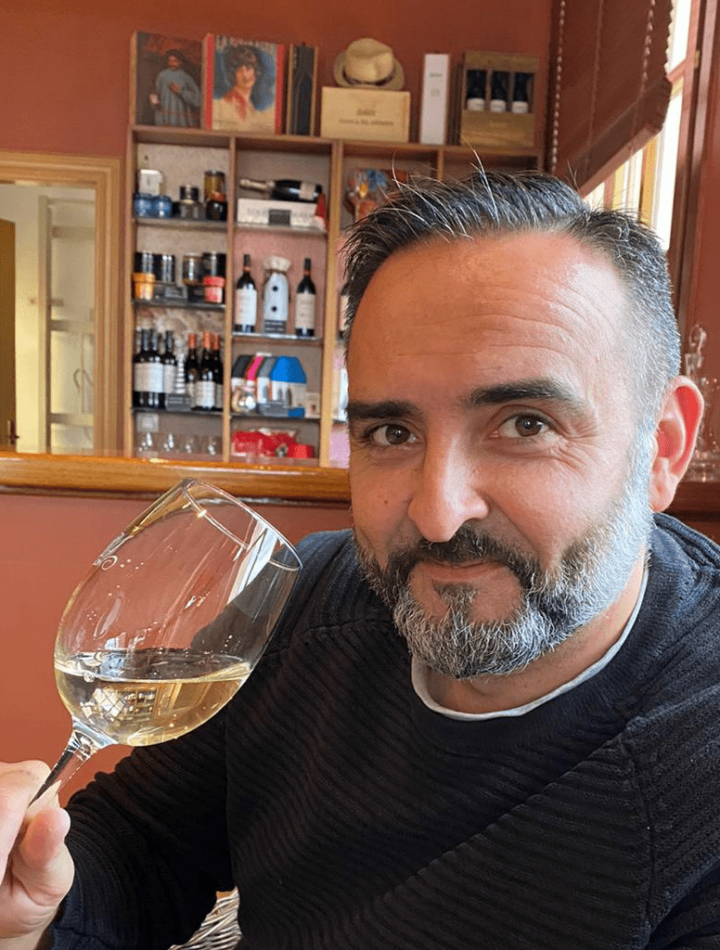Raul Orantes Tasting and Tapas Wine Guide Expert